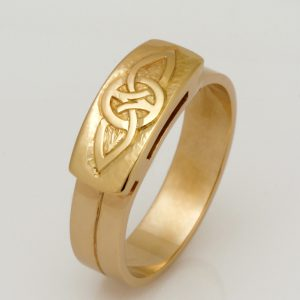 Handmade 14ct & 18ct yellow gold engraved mens wedding ring
