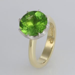 Handmade 18ct green gold and '8 claw' Palladium set Peridot dress ring