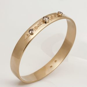 Ladies handmade 9ct yellow gold, hand engraved Bangle, set with Champagne Diamonds
