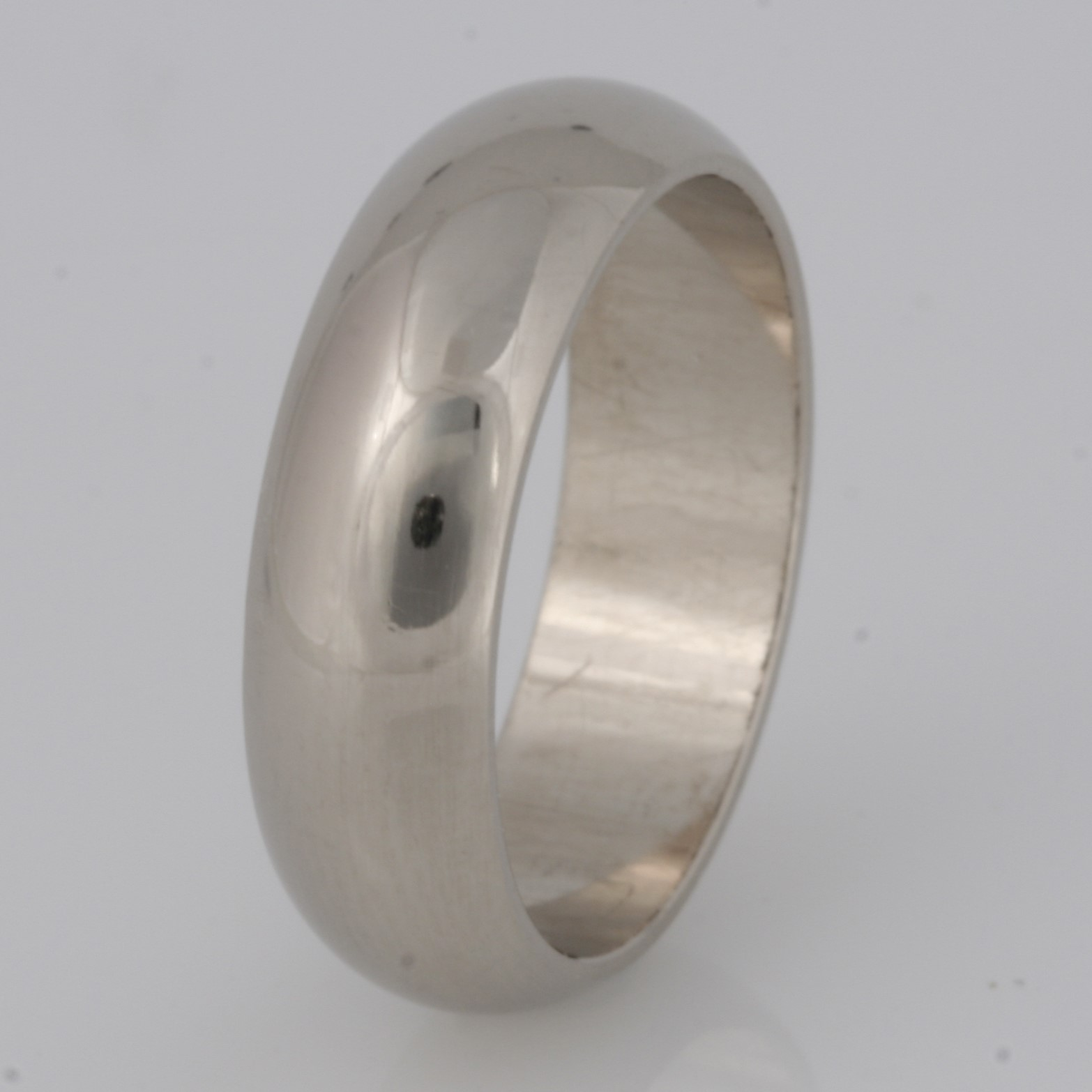 R005 18ct white gold ladies wedding ring $1450