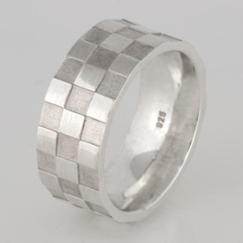 R025 sterling silver mens checkerboard ring $200