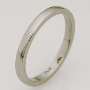 Ladies handmade platinum wedding ring