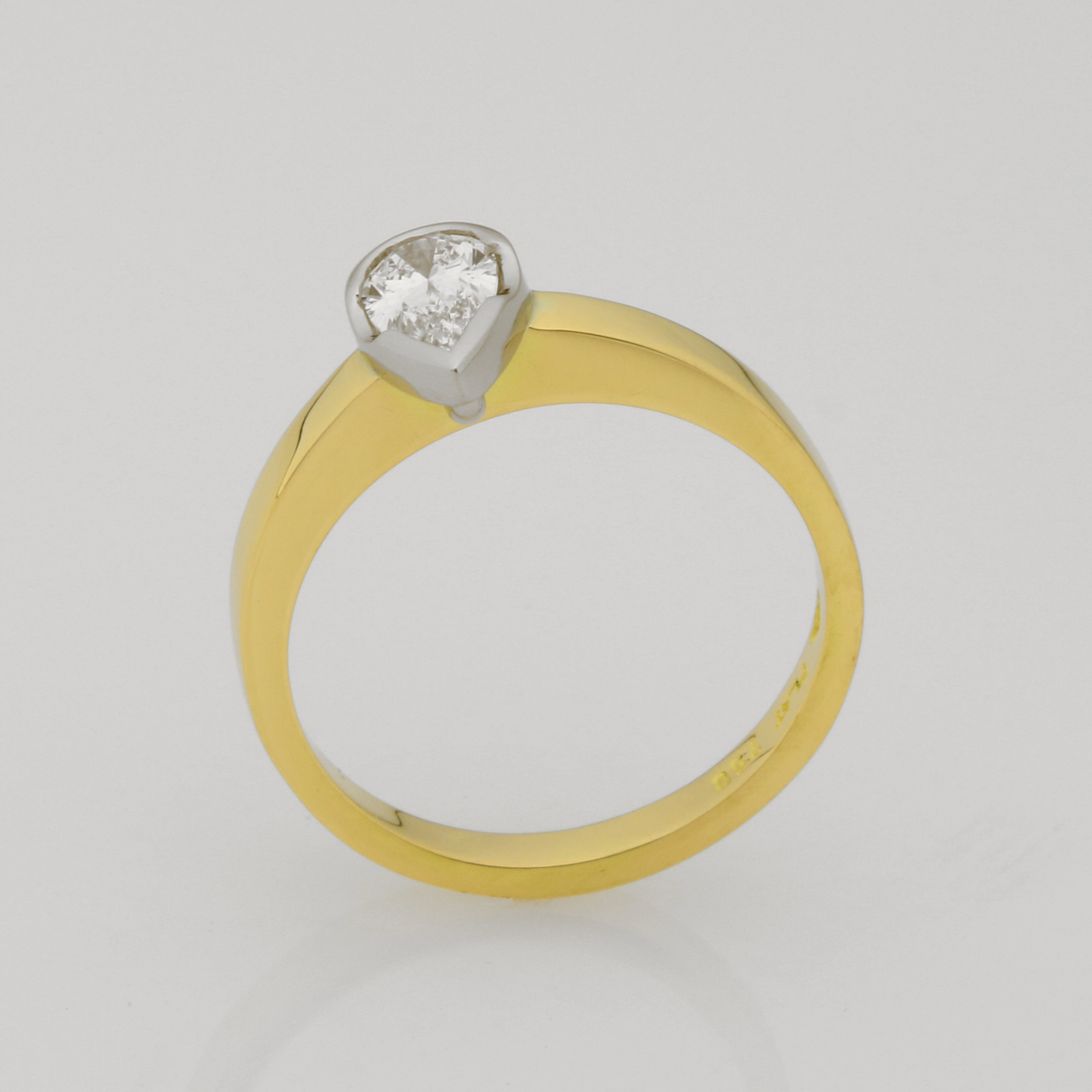 Ladies handmade 18ct yellow gold and platinum diamond ring