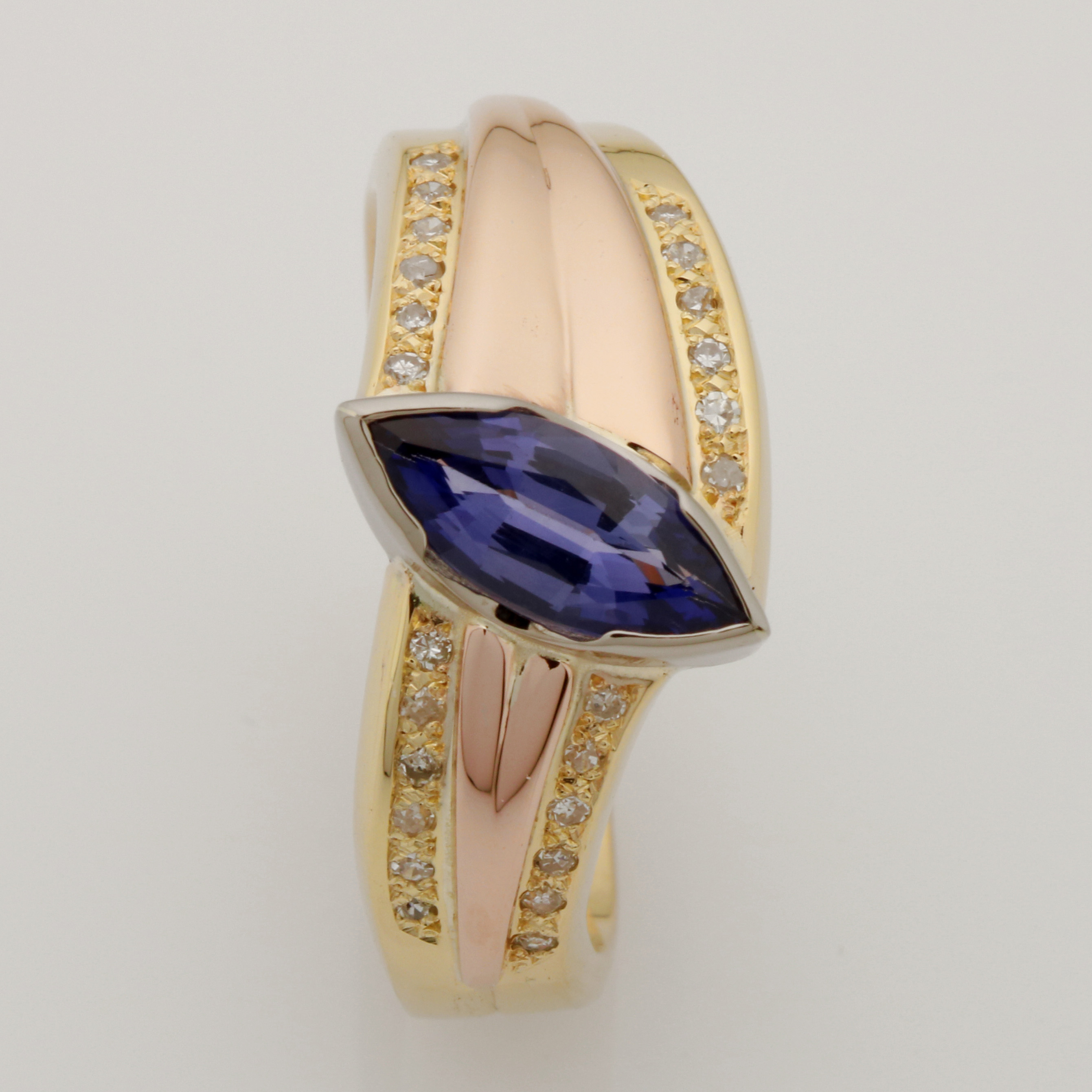 Ladies handmade 9ct and 18ct yellow, rose and white gold sapphire and diamond ring