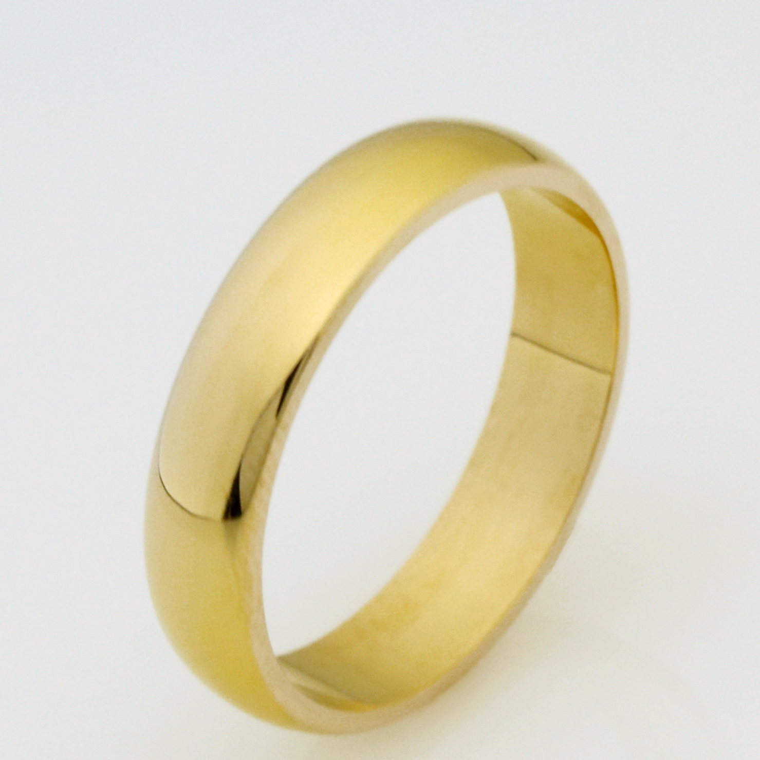 Ladies handmade 18ct yellow gold wedding ring
